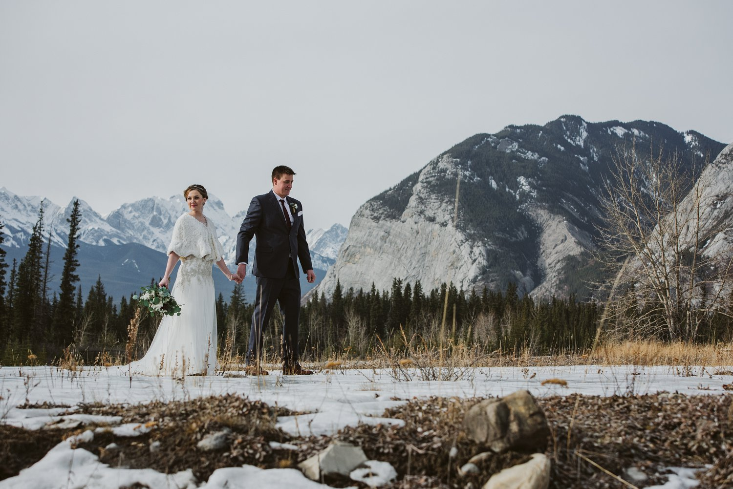 Overlander Mountain Lodge wedding, Overlander Lodge winter wedding, Jasper wedding, Jasper winter wedding, mountain wedding